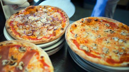 Pizzadiebe haben sich über die Lieferung eines Pizzaboten in Jena hergemacht. (Symbolbild)