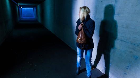 In Erfurt erlebte ein Mädchen während des Ganges durch eine Unterführung einen echten Albtraum. (Symbolfoto)