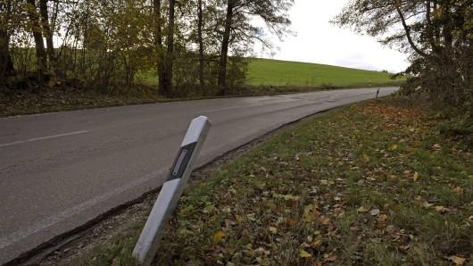 In Thüringen ist erneut ein Autofahrer gestorben. Er prallte mit seinem Auto bei Gotha gegen einen Baum.
