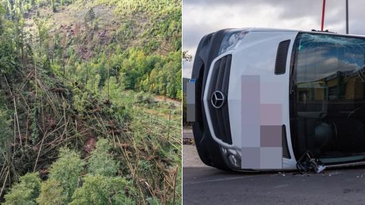 Fabienne hat im Kreis Saalfeld-Rudolstadt am Sonntag (23.09.2018) große Schäden angerichtet. In einem Wald zwischen Bad Blankenburg und Schwarzburg knickte der Sturm zahlreiche Bäume um, in einem Gewerbegebiet in Saalfeld wurden Fahrzeuge einfach weggeweht.