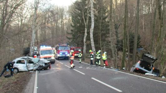 Bei einem Unfall auf der B84 bei Eisenach ist am Donnerstag (13.12.2018) ein Mensch ums Leben gekommen.
