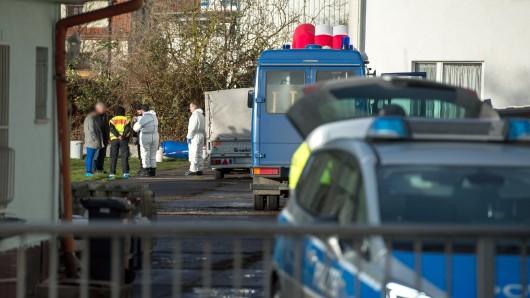 Die Polizei geht davon aus, dass das Ehepaar zwischen 9 und 11 Uhr vormittags ermordet wurde. Am Haus selbst waren keine Einbruchsspuren erkennbar.