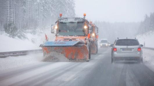 Schnee und Glatteisregen ziehen am Wochenende über Thüringen. (Symbolbild)