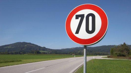 Zwischen Mühlhausen und Felchta gilt ab sofort die Höchstgeschwindigkeit von 70 km/h. (symbolfoto)