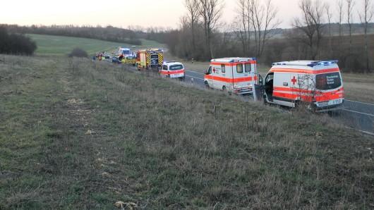 Bei einem schweren Unfall zwischen Bruchstedt und Blankenhain im Unstrut-Hainich-Kreis sind am Donnerstag (28.02.2019) sechs Menschen verletzt worden, zwei von ihnen schwer.