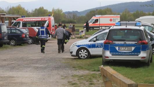 Bei Eisenach sind am Mittwoch (08.05.2019) zwei Gleitschirmflieger abgestürzt, ein Mann kam dabei ums Leben.