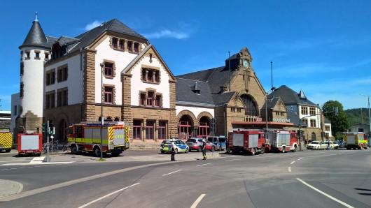 In Eisenach sind am Sonntag (02.06.2019) zwei ICE am Bahnhof evakuiert worden.