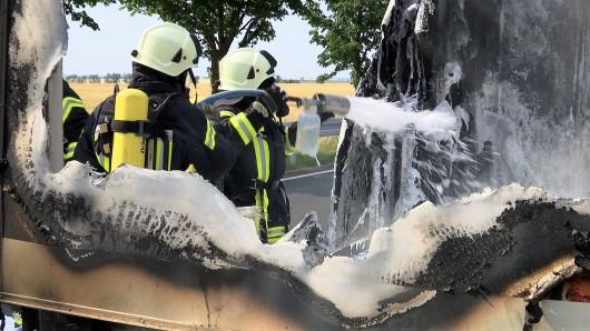 Ein Bierwagen hat Feuer gefangen. Foto: Vesselin Georgiev