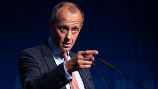 Friedrich Merz hat nach dem Debakel der CDU bei der Landtagswahl Thüringen heftige Vorwürfe gegen Kanzlerin Angela Merkel erhoben.