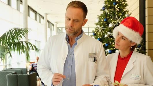 """Das Staffelfinale von """"In aller Freundschaft"""" verspricht spannend zu werden: Für Dr. Kai Hoffmann und Dr. Maria Weber wird es brenzlig."""