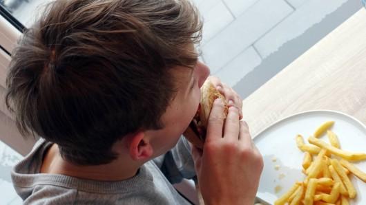 Die irische Burger-Kette Rocket's im Leipziger Hauptbahnhof versucht ihre Kunden mit einem speziellen Konzept zu überzeugen. (Symbolbild)