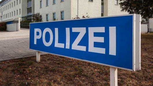 Als eine Frau in Thüringen einen Diebstahl auf der Polizeiwache anzeigen wollte, musste sie beinah dort bleiben. (Symbolbild)