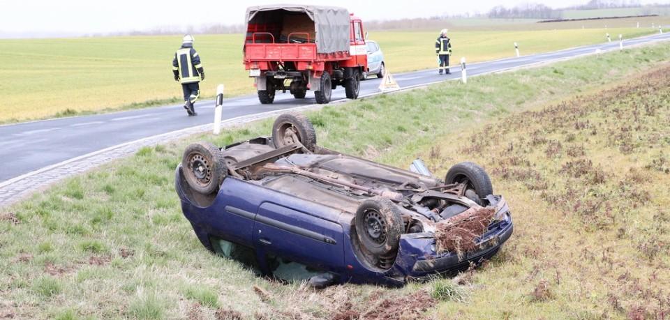 Bei dem Unfall in Thüringen hat sich der junge Fahrer wie durch ein Wunder lediglich leicht verletzt.