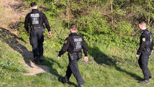 In Thüringen beendete die Polizei am Samstagabend eine Gartenparty von Mitgliedern der rechten Szene. (Symbolbild)