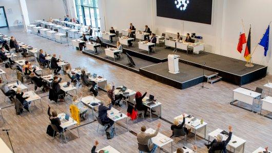 Im Landtag von Thüringen sorgt der Vorschlag einer Landarztquote von der SPD für Diskussionen. (Archivbild)