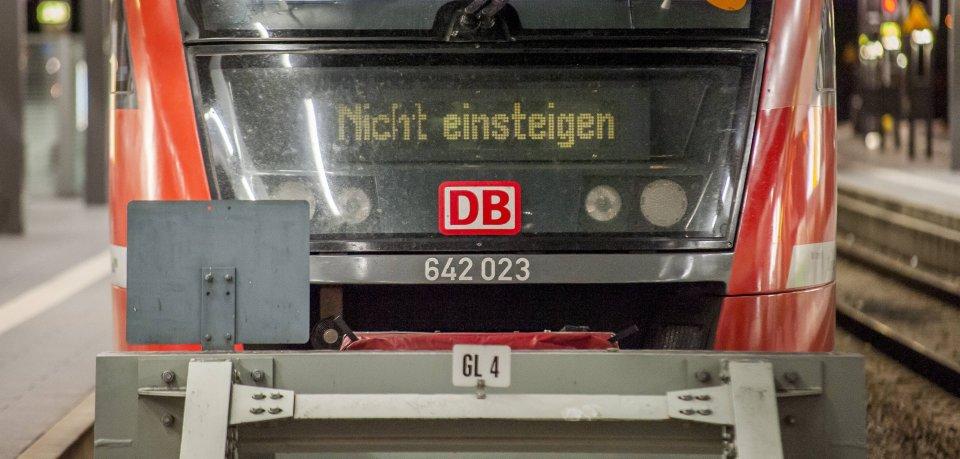 Die Deutsche Bahn baut in Thüringen! Es kommt zu Zugausfällen und Ersatzverkehr. (Symbolbild)