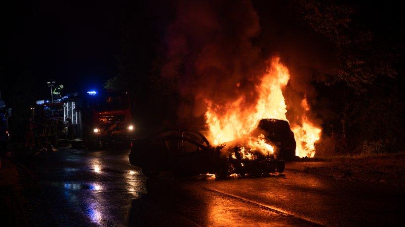 Thüringen: Autos krachen ineinander und gehen in Flammen auf – 6 Verletzte!