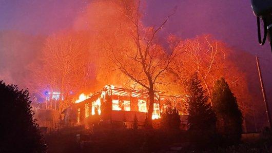 Nach Brandanschlägen auf mehrere rechtsextreme Treffpunkte, wie hier in Sonneberg, fordert die CDU politische Konsequenzen.