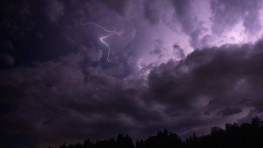 Das Wetter in Thüringen bringt Gewitter und Starkregen mit sich. (Symbolbild)