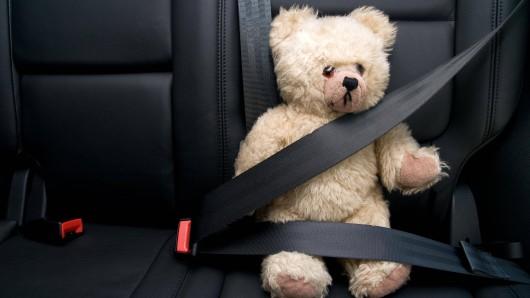 In Bayern wurden zwei Kinderleichen in einem Auto entdeckt, die Mutter starb wenig später. (Symbolbild)