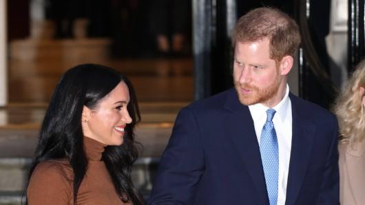 Ein offizielles Dokument gibt nun Details zum Austritt von Meghan Markle und Prinz Harry aus der Königsfamilie bekannt.