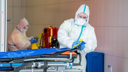 Übler Corona-Angriff auf einen Sanitäter in England. (Symbolbild)