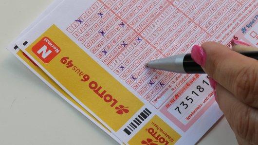 Ein Lotto-Spieler aus Karlsruhe dürfte sich trotz Millionen-Gewinn über eine Kleinigkeit geärgert haben. (Symbolbild)