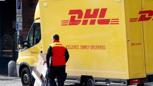 DHL: Eine verzweifelte Frau sucht nach ihren verschollenen Paketen – doch sie findet keine Hilfe. (Symbolbild)