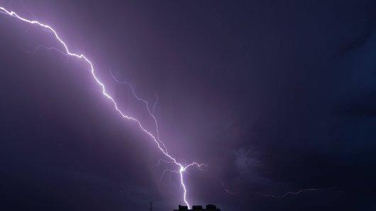 Wetter in Deutschland: Es drohen Gewitter - und sogar Tornados!