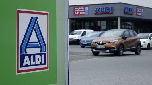 Aldi: Nach einem kurzen Einkauf erwartet den Kunden eine böse Überraschung. (Archivbild)