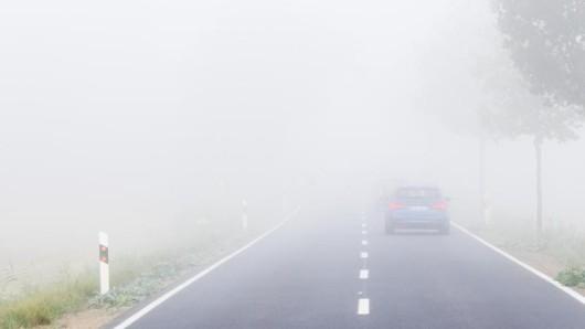 Im Nebel hat eine Frau auf der B2 bei Schleiz die Kontrolle über ihr Auto verloren. (Symbolfoto)