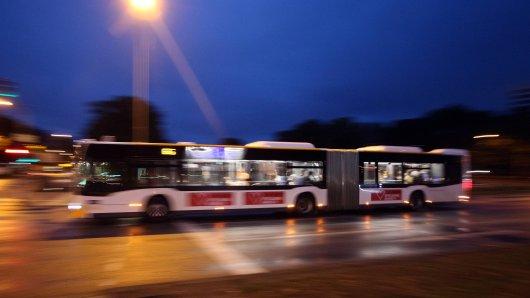 Weimar: Mann rastet in Buslinie 1 aus. (Symbolbild)
