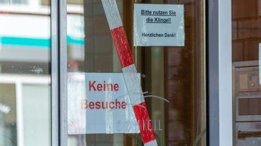 In einem Seniorenheim in Weimar sind überdurchschnittlich viele Bewohner gestorben. Die Stadt verschärft die Sicherheitsmaßnahmen. (Symbolbild)
