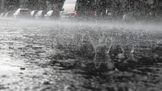 Am Donnerstag soll es in Teilen von Thüringen heftig regnen. (Symbolbild)