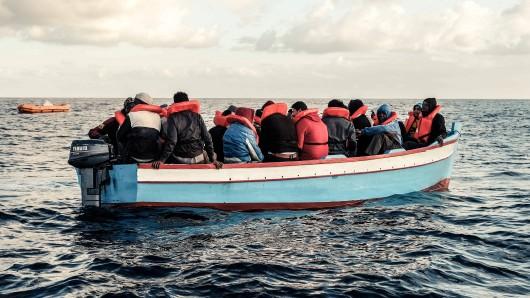 Im Mittelmeer sterben täglich Menschen. Jena hat sich jetzt zum sicheren Hafen erklärt.