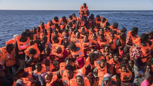 Im Mittelmeer sterben jeden Tag Menschen. In Jena setzt sich eine Initiative dafür ein, dass die geretteten Migranten hier Schutz finden.