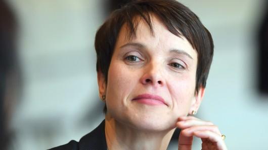 Frauke Petry spricht sich gegen Streiks für den Klimaschutz unter dem Motto FridaysForFuture aus.