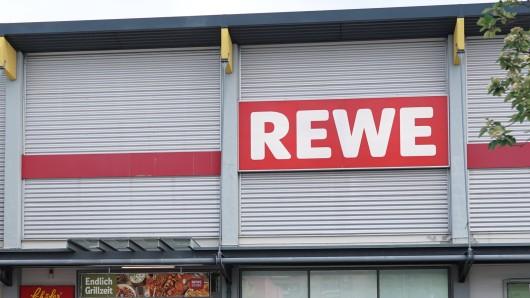 Eine Kundin machte eine dreiste Entdeckung bei Rewe. Ist das etwa ein Abzocke-Trick?(Symbolbild)
