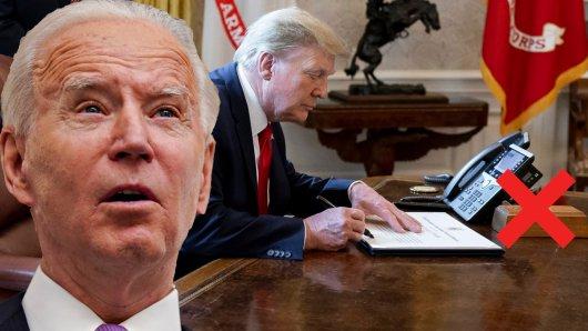 Donald Trump am Schreibtisch im Oval Office. Joe Biden führte direkt eine Veränderung durch.