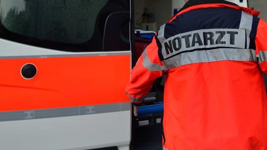 Ein Autofahrer hat in Leinatal einem Lkw-Fahrer die Vorfahrt genommen.